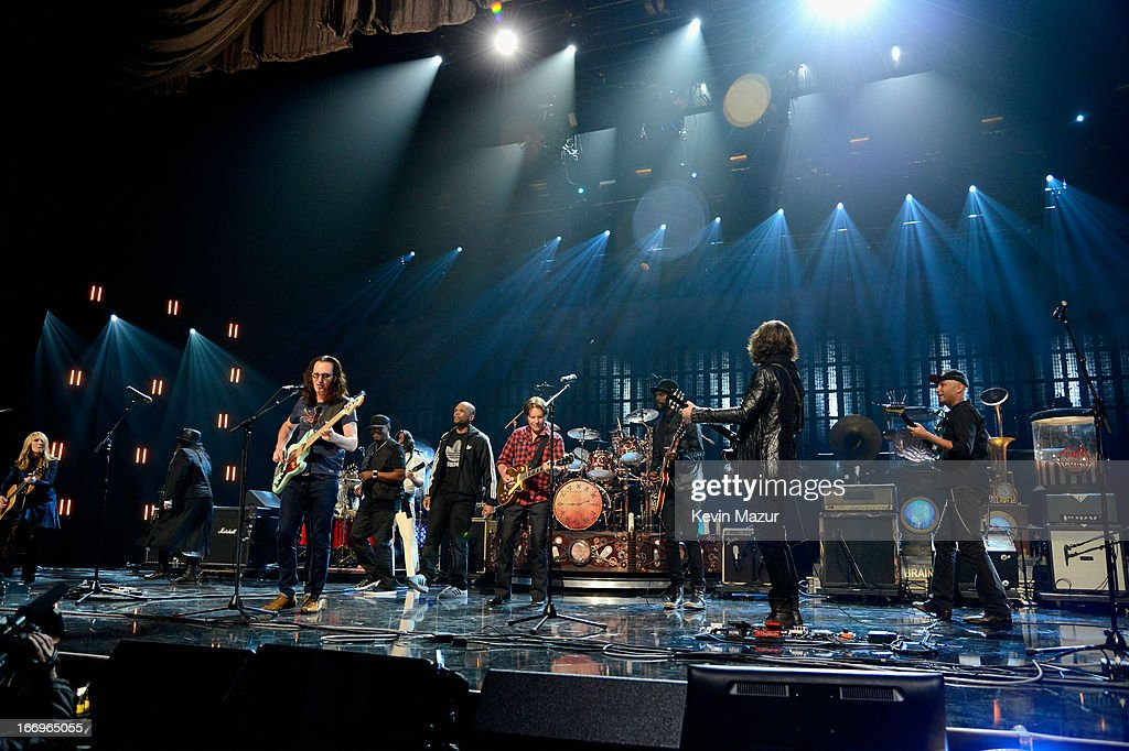 Inductee Nancy Wilson inductee Ann Wilson inductee Geddy Lee inductee Chuck D musician John Fogerty inductee Neil Peart musician Gary Clark Jr...