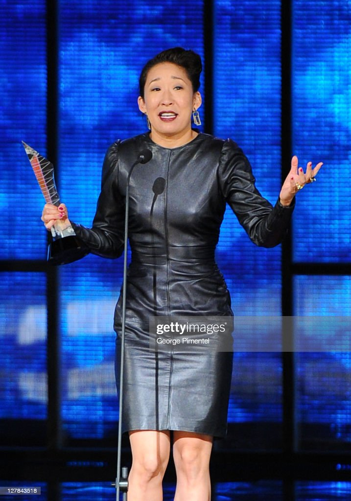 Inductee <a gi-track='captionPersonalityLinkClicked' href=/galleries/search?phrase=Sandra+Oh&family=editorial&specificpeople=203096 ng-click='$event.stopPropagation()'>Sandra Oh</a> attends the 2011 Canada Walk of Fame at The Elgin Theatre on October 1, 2011 in Toronto, Canada.