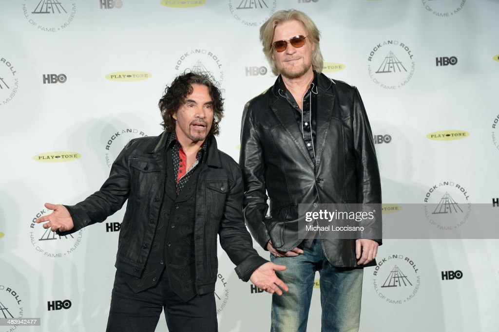 Inductees <a gi-track='captionPersonalityLinkClicked' href=/galleries/search?phrase=John+Oates&family=editorial&specificpeople=215101 ng-click='$event.stopPropagation()'>John Oates</a> (L) and <a gi-track='captionPersonalityLinkClicked' href=/galleries/search?phrase=Daryl+Hall&family=editorial&specificpeople=215308 ng-click='$event.stopPropagation()'>Daryl Hall</a> of Hall and Oates attend the 29th Annual Rock And Roll Hall Of Fame Induction Ceremony at Barclays Center of Brooklyn on April 10, 2014 in New York City.
