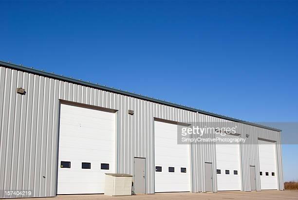 Bâtiment industriel et des portes