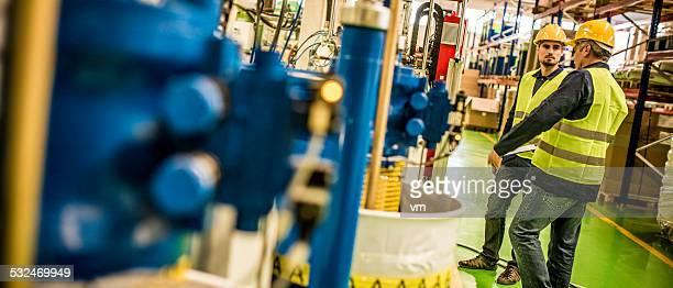 Industrial Controling equipo de los trabajadores de la fábrica