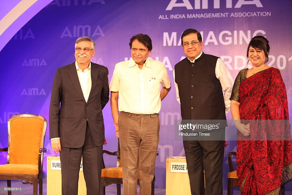 Industrialist Sunil Kant Munjal, Union Railway Minister Suresh Prabhu, Firdose Vandrevala with Rekha Sethi during the All India Management Association (AIMA)s Managing India Awards 2016 at Hotel Taj Palace in New Delhi, India.