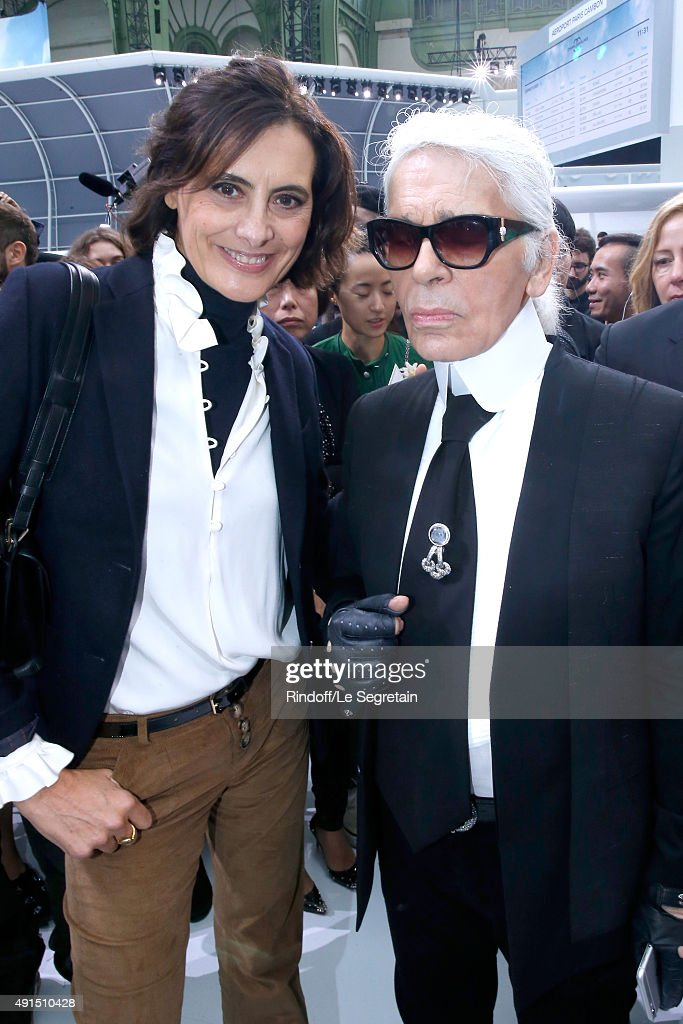 <a gi-track='captionPersonalityLinkClicked' href=/galleries/search?phrase=Ines+de+la+Fressange&family=editorial&specificpeople=2078500 ng-click='$event.stopPropagation()'>Ines de la Fressange</a> and <a gi-track='captionPersonalityLinkClicked' href=/galleries/search?phrase=Karl+Lagerfeld+-+Fashion+Designer&family=editorial&specificpeople=4330565 ng-click='$event.stopPropagation()'>Karl Lagerfeld</a> pose after the Chanel show as part of the Paris Fashion Week Womenswear Spring/Summer 2016 on October 6, 2015 in Paris, France.