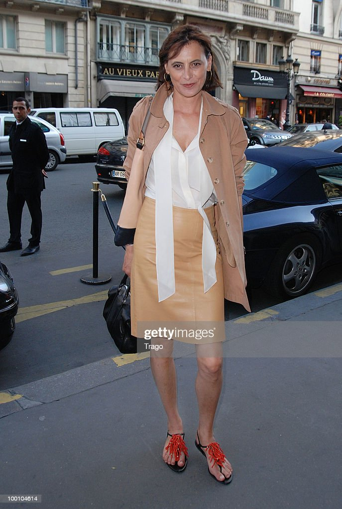 <a gi-track='captionPersonalityLinkClicked' href=/galleries/search?phrase=Ines+de+la+Fressange&family=editorial&specificpeople=2078500 ng-click='$event.stopPropagation()'>Ines de la Fressange</a> arrives at Jo Wilfried Tsonga 'Ace de Coeur' Charity Cocktail at Hotel Park Hyatt on May 20, 2010 in Paris, France.