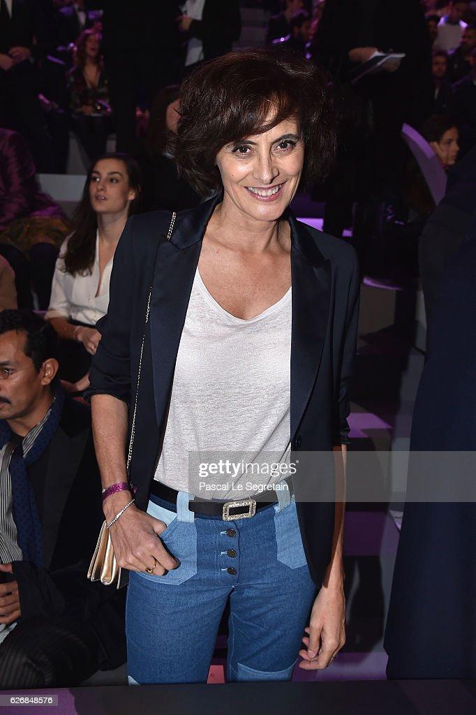 ines-de-la-fressange-attends-the-victorias-secret-fashion-show-on-30-picture-id626848576