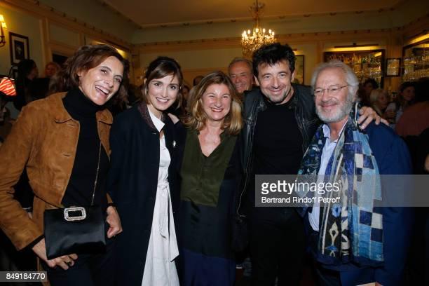 Ines de la Fressange Julie Gayet Zana Murat Patrick Bruel and actor of the piece Bernard Murat attend 'La vraie vie' Theater Play at Theatre Edouard...