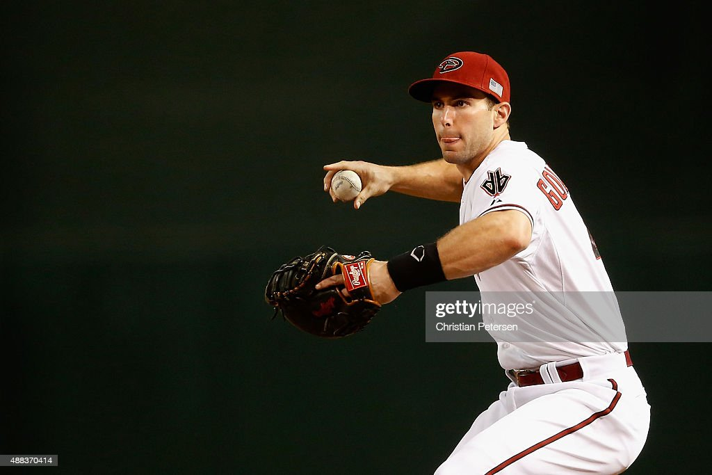Infeidler Paul Goldschmidt of the Arizona Diamondbacks fields a ground ball out against the Los Angeles Dodgers during the MLB game at Chase Field on...