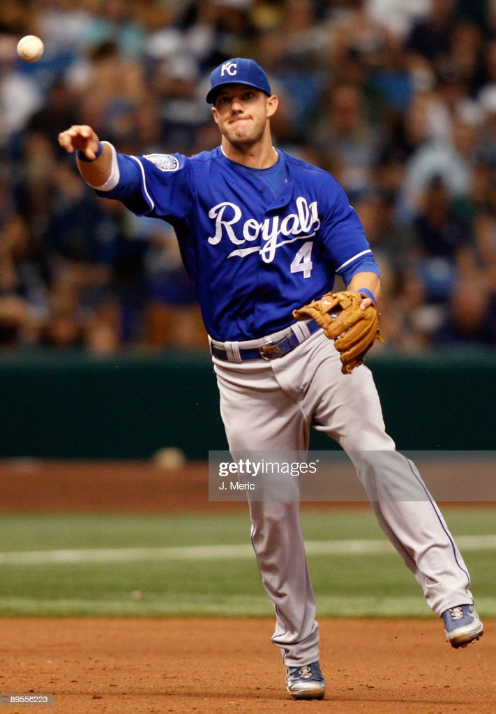 Infielder <a gi-track='captionPersonalityLinkClicked' href=/galleries/search?phrase=Alex+Gordon+-+Baseballspieler&family=editorial&specificpeople=4494252 ng-click='$event.stopPropagation()'>Alex Gordon</a> #4 of the Kansas City Royals throws over to first for an out against the Tampa Bay Rays during the game at Tropicana Field on August 1, 2009 in St. Petersburg, Florida.