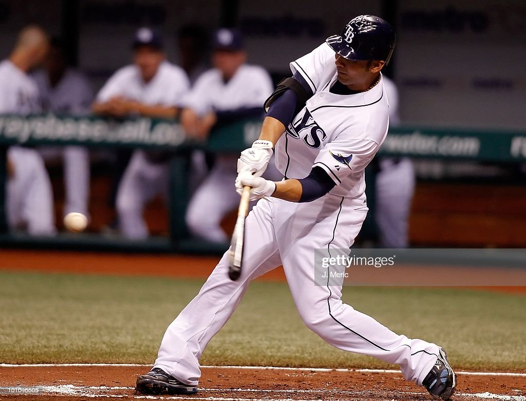 Infielder Carlos Pena #23 of the Tampa Bay Rays fouls off a pitch against the Seattle Mariners during the game at Tropicana Field on May 14, 2010 in St. Petersburg, Florida.