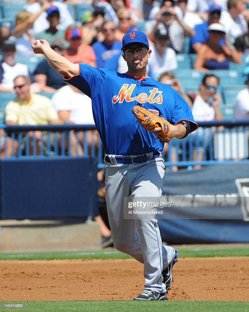 Infielder <a gi-track='captionPersonalityLinkClicked' href=/galleries/search?phrase=David+Wright+-+Baseball+Player&family=editorial&specificpeople=209172 ng-click='$event.stopPropagation()'>David Wright</a> #5 of the New York Mets throws to first base against the New York Yankees in a spring training game April 4, 2012 at George M. Steinbrenner Field in Tampa, Florida.