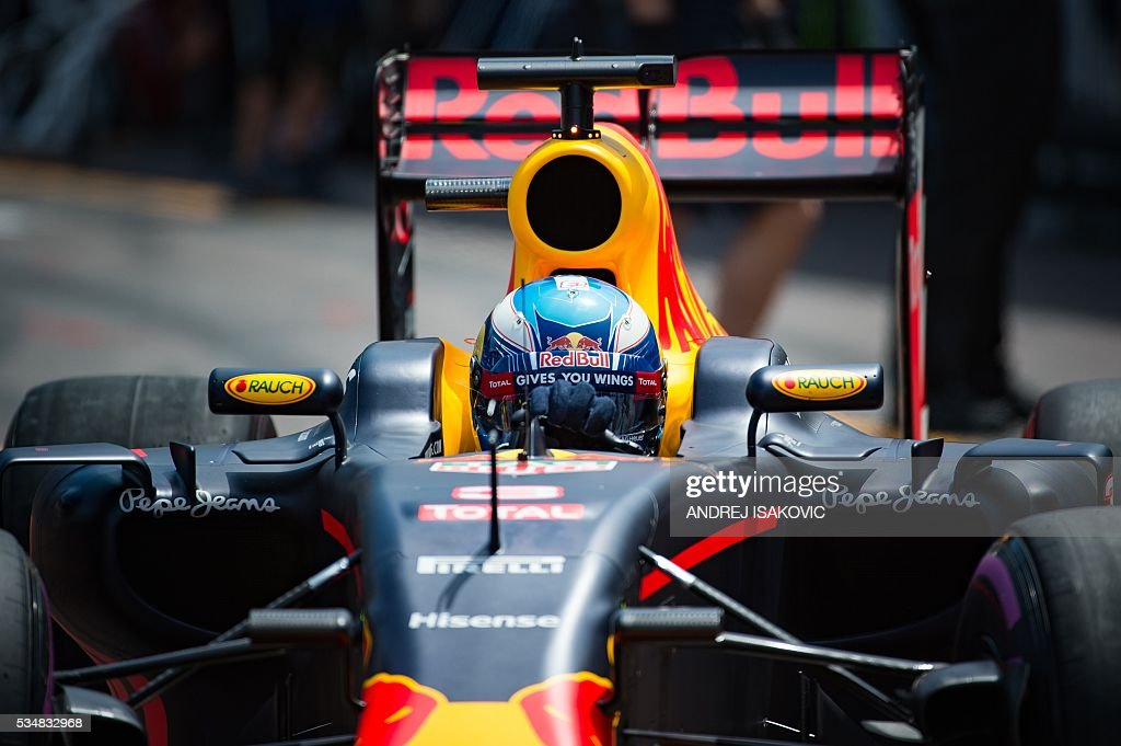 Infiniti Red Bull Racing's Australian driver Daniel Ricciardo drives out of the pit lane during the qualifying session at the at the Monaco street circuit, on May 28, 2016 in Monaco, one day ahead of the Monaco Formula 1 Grand Prix. / AFP / POOL / ANDREJ