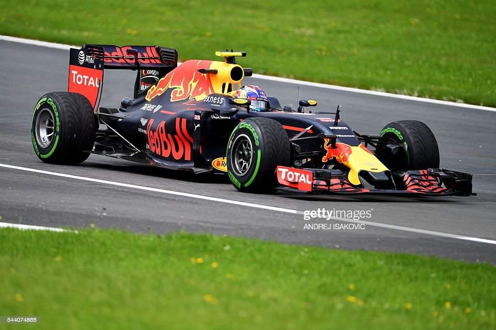 Infiniti Red Bull Racing's Belgian-Dutch driver Max Verstappen drives during the practice session of the Formula One Grand Prix of Austria in Spielberg, Austria on July 1, 2016. / AFP / ANDREJ