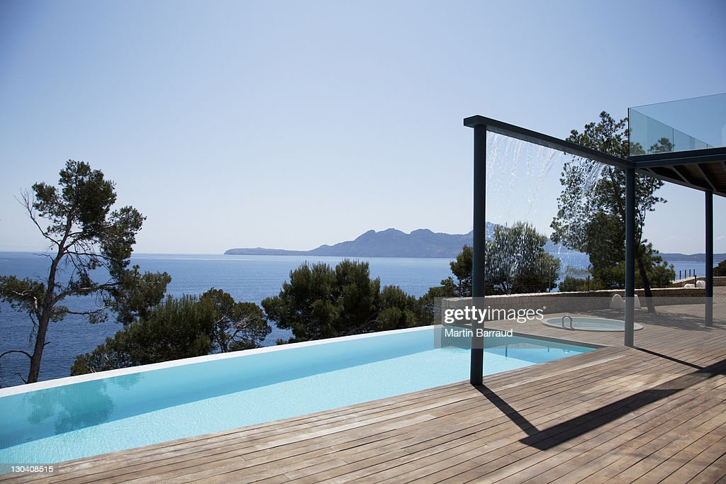 Infinity Pool Outside Modern House Stock Photo Getty Images