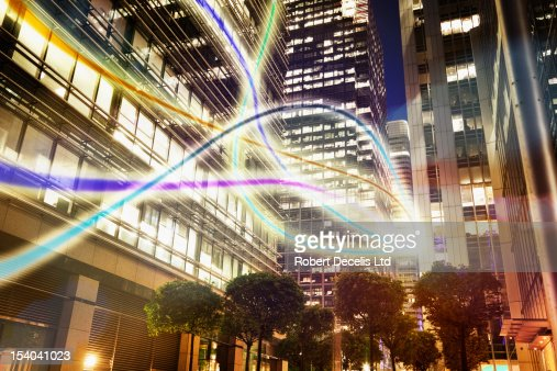 information moving through city scape : Foto stock