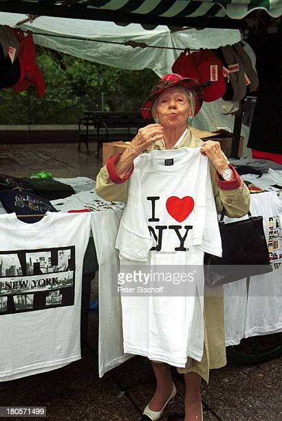 Inge Meysel ZDFTVSpiel 'Die Liebenden vom Alexanderplatz' USA New York Privatbummel TShirt Stand TShirt 'I LOVE NEW YORK'