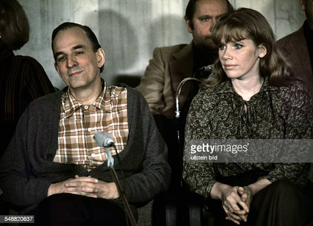 Ingmar Bergman * Film director screenwriter Sweden with his wife the Norwegian actress Liv Ullmann around 1970