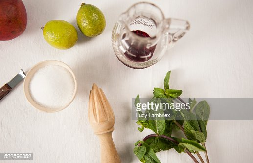 Ingredients for a pomegranate lime granita : Stockfoto