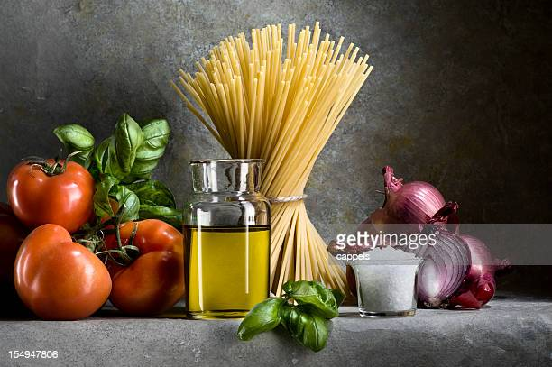Ingredientes para salsa de tomate Spaghetti.Color imagen