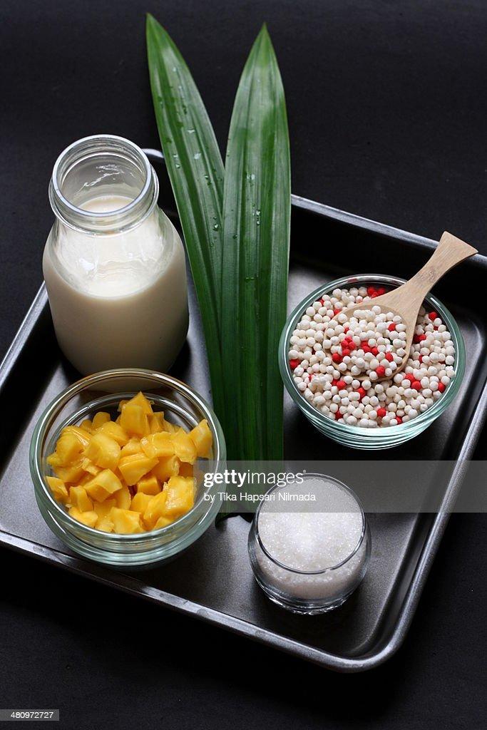 Ingredients of Pearl Sago Porridge : Stock Photo