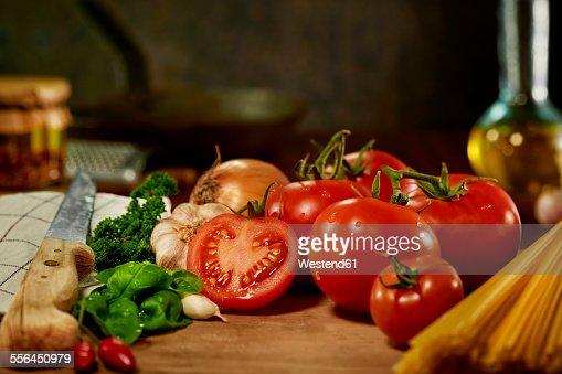 Ingredients of tomato sauce