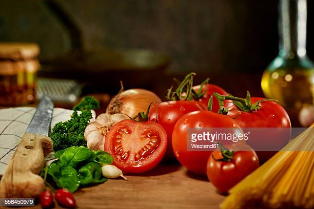 Ingredients of tomato sauce