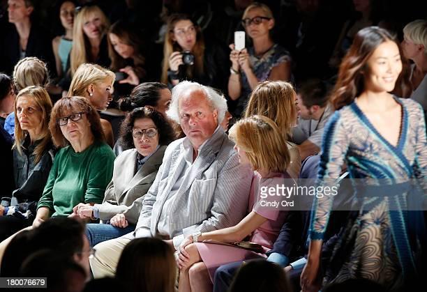 Ingrid Sischy Fran Lebowitz Vanity Fair Editor in Chief Graydon Carter and Anna Scott attend the Diane Von Furstenberg fashion show during...