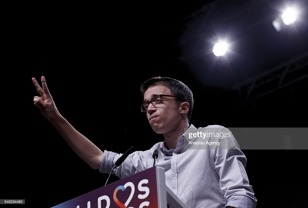Inigo Errejon of Unidos Podemos flashes v sign following the official results in Madrid, Spain on June 26, 2016.