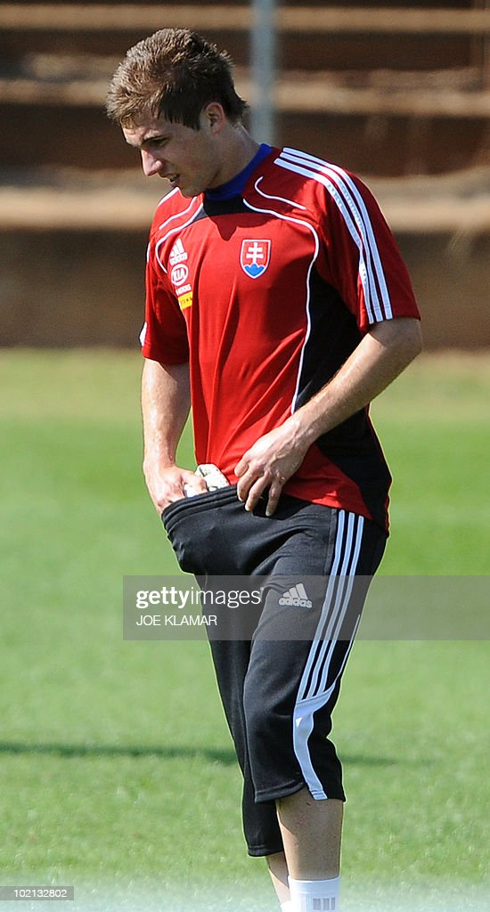 Injured Slovakia's defender Peter Pekarik ices himself during a training session at Caledonian stadium in Pretoria on June 12, 2010 on the second day of the 2010 Football World Cup.