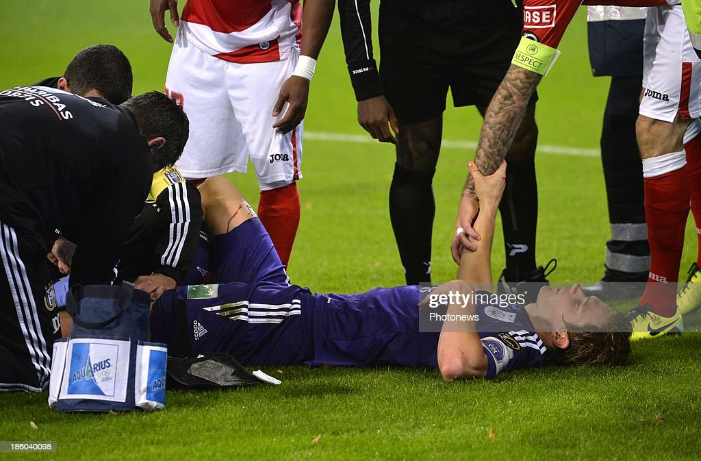 Injury Gillet Guillaume of Rsc Anderlecht during the Jupiler League match between RSC Anderlecht and Standard Liege on October 27, 2013 in Anderlecht, Belgium.