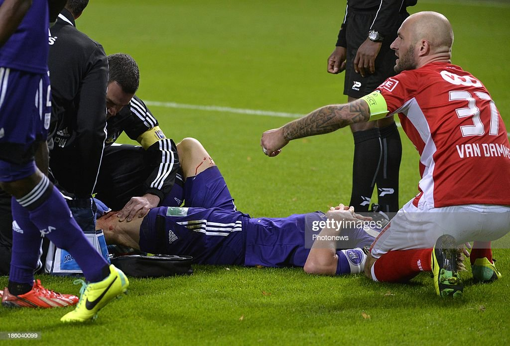 Injury Gillet Guillaume of Rsc Anderlecht during the Jupiler League match between RSC Anderlecht and Standard Liege on October 27, 2013 in Anderlecht, Belgium.