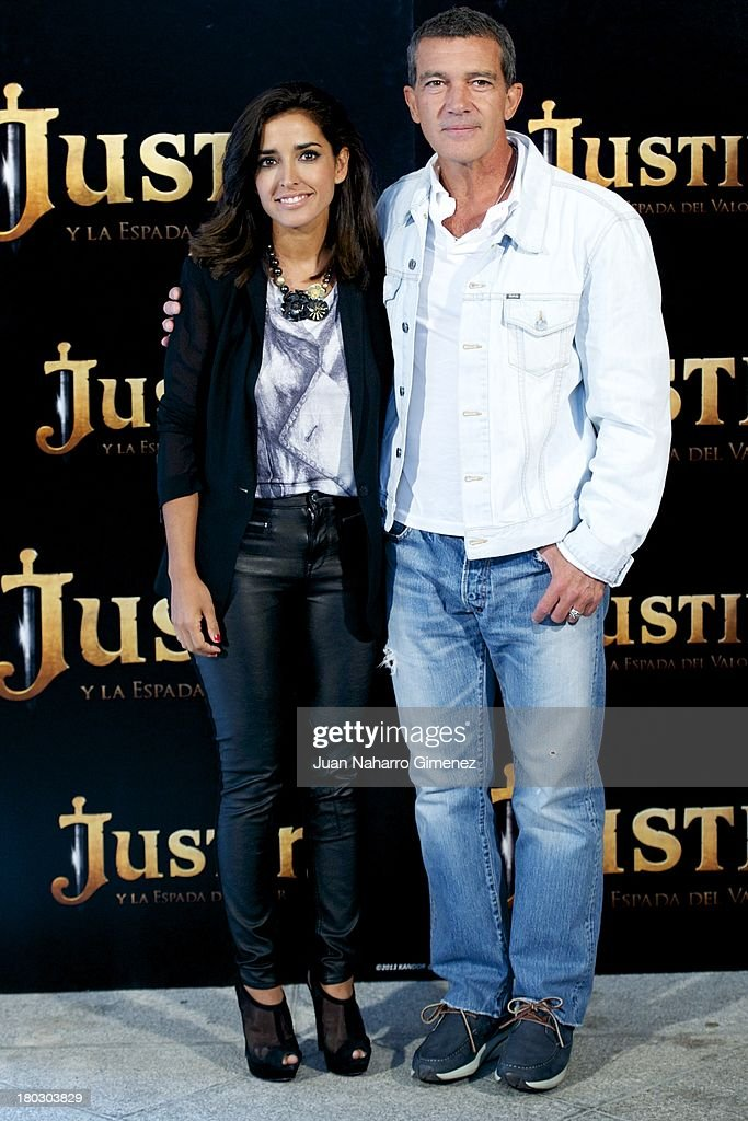Inma Cuesta and <a gi-track='captionPersonalityLinkClicked' href=/galleries/search?phrase=Antonio+Banderas&family=editorial&specificpeople=171176 ng-click='$event.stopPropagation()'>Antonio Banderas</a> attend 'Justin And The Knights Of Valour' (Justin Y La Espada Del Valor) photocall at Castle of Villaviciosa de Odon on September 11, 2013 in Villaviciosa de Odon, Spain.