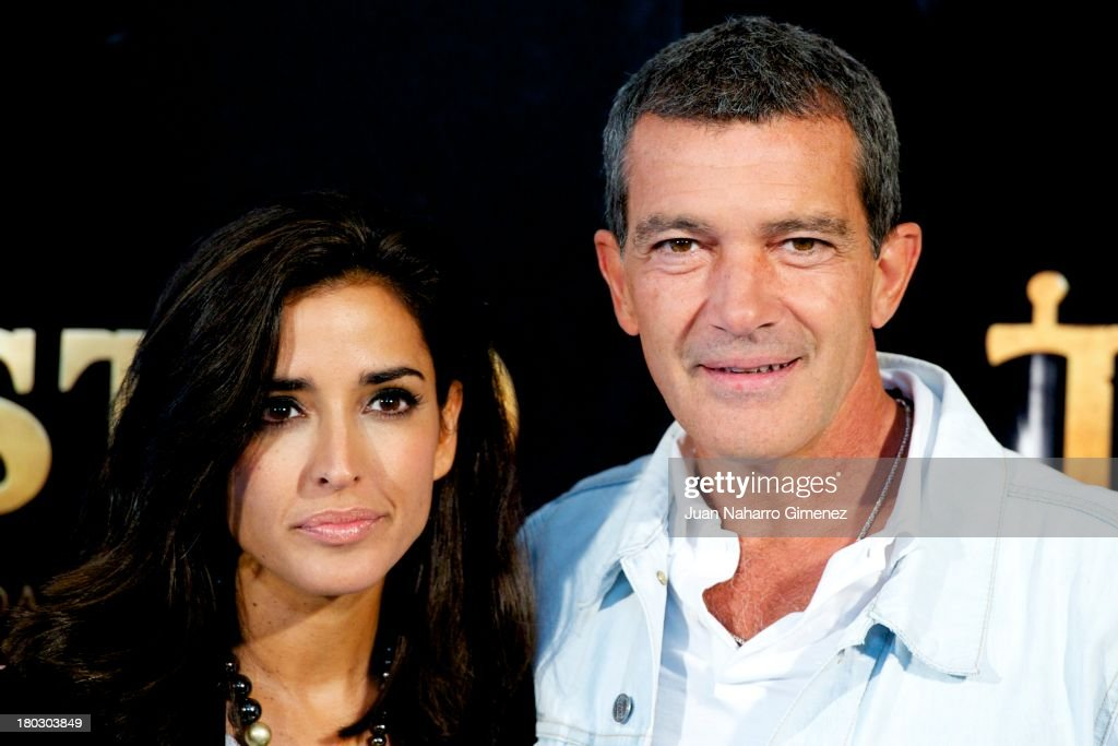 Inma Cuesta (L) <a gi-track='captionPersonalityLinkClicked' href=/galleries/search?phrase=Antonio+Banderas&family=editorial&specificpeople=171176 ng-click='$event.stopPropagation()'>Antonio Banderas</a> (R) attend 'Justin And The Knights Of Valour' (Justin Y La Espada Del Valor) photocall at Castle of Villaviciosa de Odon on September 11, 2013 in Villaviciosa de Odon, Spain.