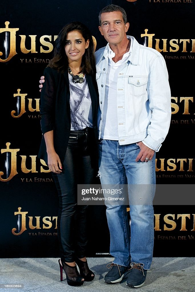 Inma Cuesta (L) Antonio Banderas (R) attend 'Justin And The Knights Of Valour' (Justin Y La Espada Del Valor) photocall at Castle of Villaviciosa de Odon on September 11, 2013 in Villaviciosa de Odon, Spain.