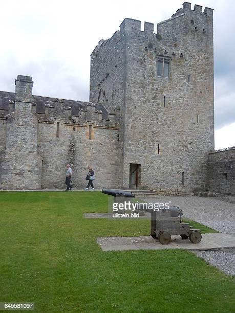 Innenhof der mittelalterlichen Burg aufgenommen am 23 Juli 2015 in Cahir
