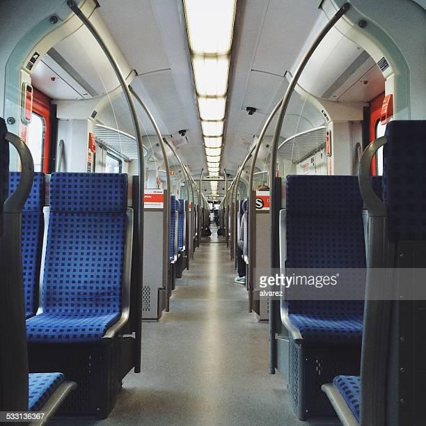 Intérieur de train de voyageurs à Berlin