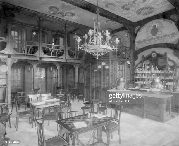 Inside view of a modern milk salon Vintage property of ullstein bild