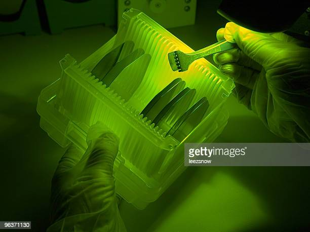 Inspecting Silicon Wafers Under Green Light