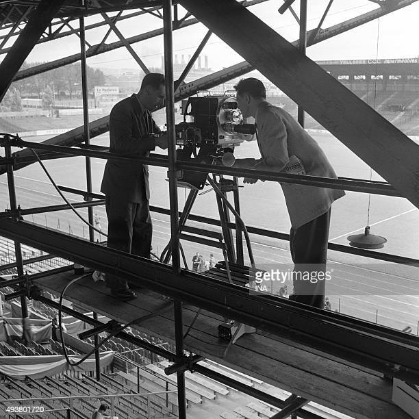 Installation of a camera of the RTF in the terraces of the stage of Colombes before a meeting of football