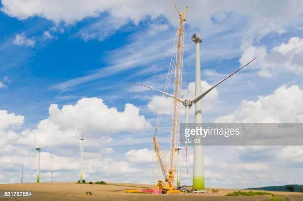 Installation les pales de rotor sur une éolienne