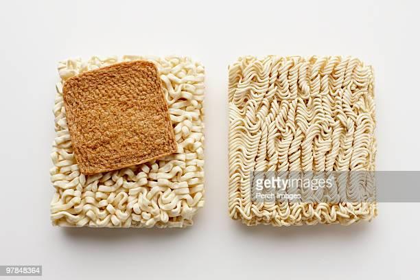instant soba and ramen noodles