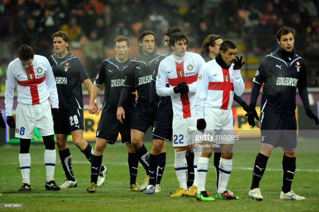 Inter and Lazio players look on during the Serie A match between Inter Milan and Lazio at Stadio Giuseppe Meazza on December 20, 2009 in Milan, Italy.