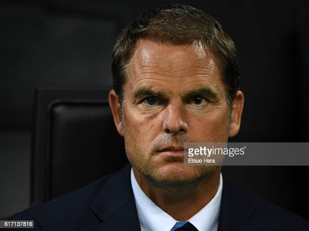 Inter head coach Frank de Boer looks on during the UEFA Europa League match between FC Internazionale Milano and Southampton FC at Giuseppe Meazza...