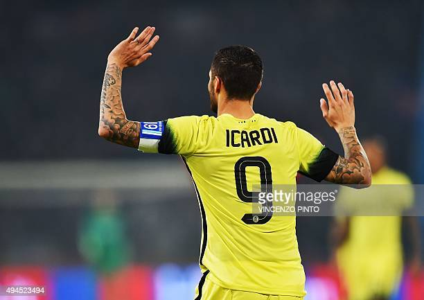 Inter Milan's Argentinian forward Mauro Icardi gestures during the Serie A football match Bologna vs InterMilan at Dall'Ara stadium in Bologna on...