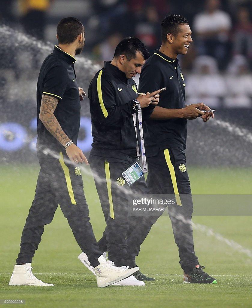 Inter Milan s Argentinian striker Mauro Icardi L Chilean