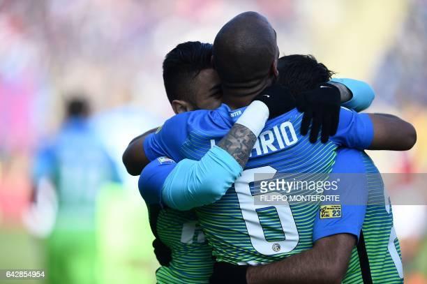 Inter Milan's Brazilian forward Gabriel Barbosa Almeida celebrates with his teammates after scoring a goal during the italian Serie A football match...