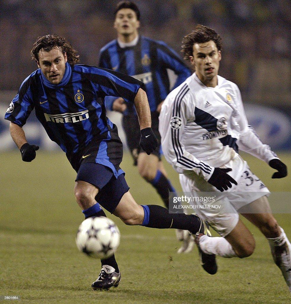Inter Milan s Christian Vieri L fights