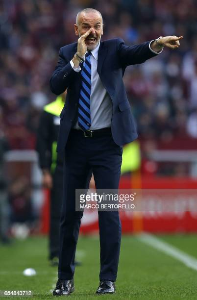 Inter Milan's coach Stefano Pioli gestures during the Italian Serie A football match Torino versus Inter Milan on March 18 2017 at the 'Grande Torino...