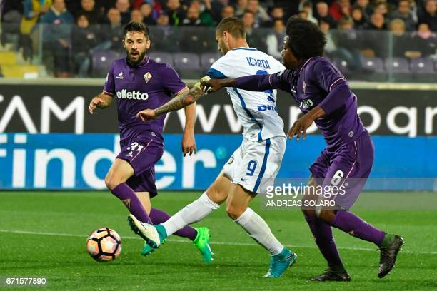 Inter Milan's forward from Argentina Mauro Icardi scores during the Italian Serie A football match Fiorentina vs Inter Milan on April 22 2017 at...
