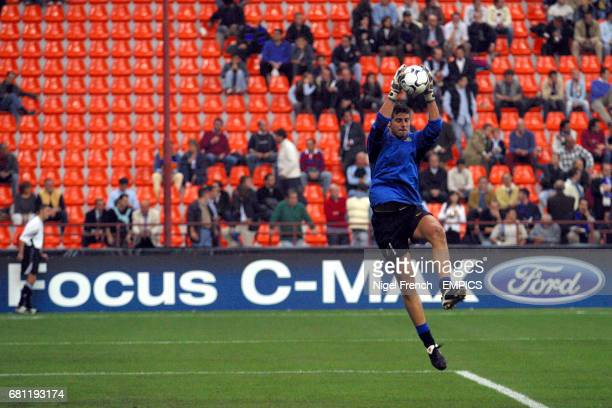 Inter Milan's Francesco Toldo warms up before the game