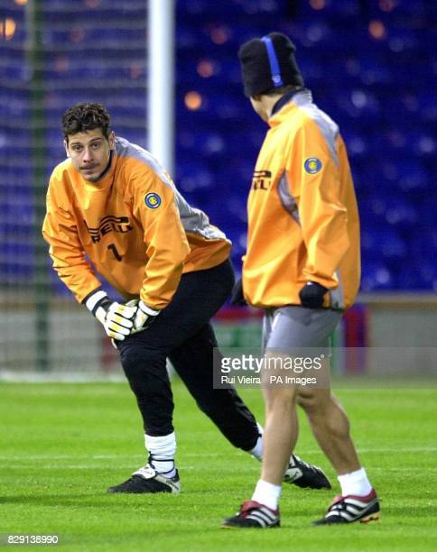 Inter Milan's goalkeeper Francesco Toldo during a training session at Portman Road Ipswich Inter Milan play Ipswich Town in the UEFA Cup third round...